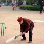 Special Photos of Chinese Granny playing Cricket at Aussie Day 2011 Guangzhou !